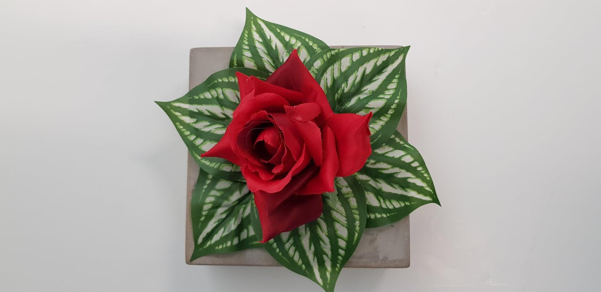 Offre sur les fleurs artificielles en mars